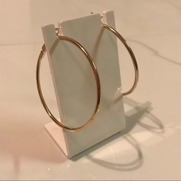 Jewelry - Classic Gold Hoop Earrings
